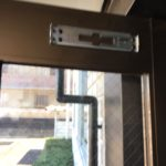 愛知県大府市にて、ドアクローザー取替工事を行いました。