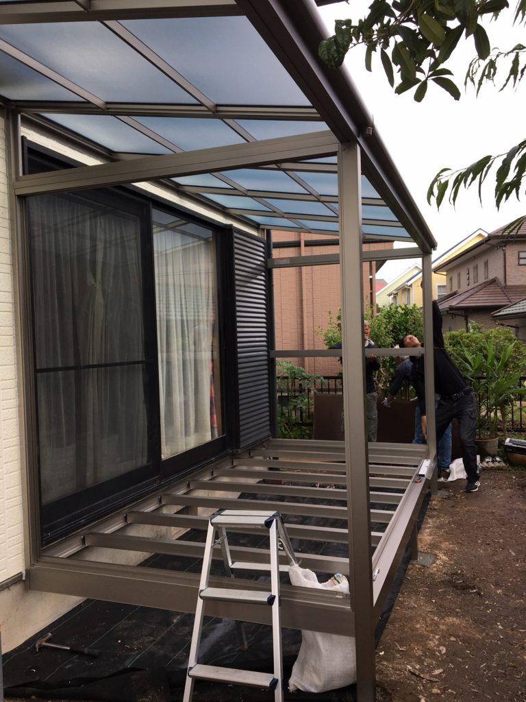 愛知県大府市の戸建住宅にて、エクステリア工事(サンルーム、テラス屋根、デッキ工事)を行いました。【窓香房】