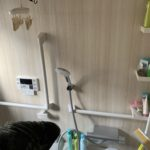 愛知県豊明市の戸建住宅にて、バスルーム取替工事に伴う浴室手摺り取付工事を行いました。【窓香房】