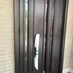 戸建住宅の玄関ドア取替工事を行いました。(リシェント玄関ドア3 断熱仕様)【窓香房】