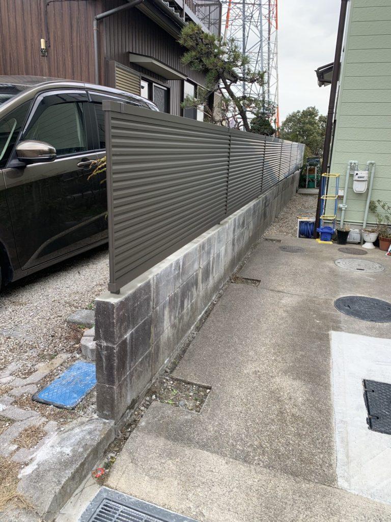愛知県豊明市にてエクステリア フェンス工事を行いました。(リクシルフェンスAB目隠し採風型)【窓香房】