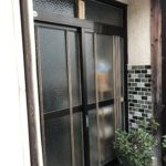 愛知県豊明市の戸建住宅にて、玄関引戸交換工事を行いました。(リクシル リシェント玄関引戸)【窓香房】