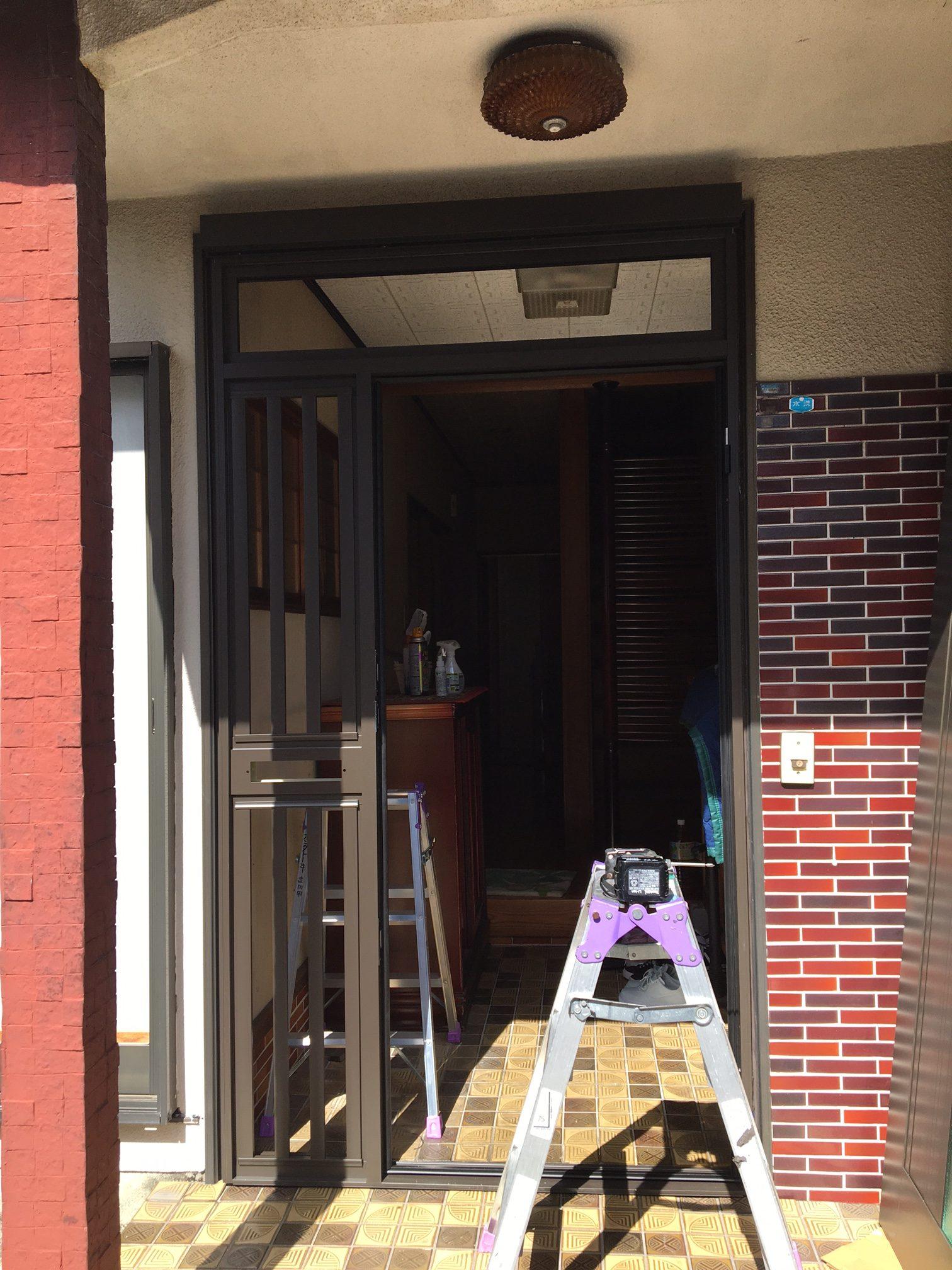 愛知県大府市の戸建住宅にて、玄関ドア取替工事を行いました。(LIXIL リシェント)【窓香房】