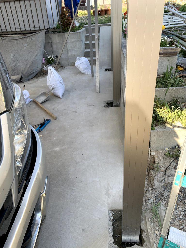 愛知県東海市の戸建住宅にて、2台用カーポート設置工事を行いました。【窓香房】