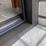 愛知県豊明市の戸建住宅にて、勝手口ドア取替工事を行いました。(LIXILリシェント)【窓香房】