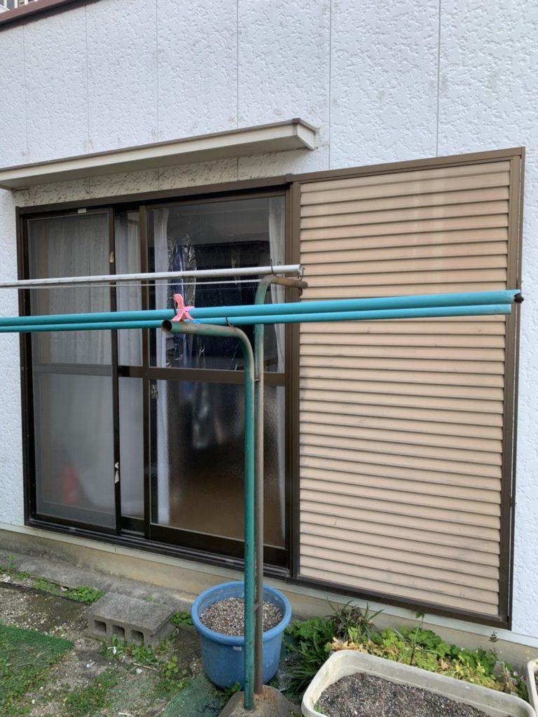 愛知県大府市の戸建住宅にて、ペットドア取付工事を行いました。【窓香房】