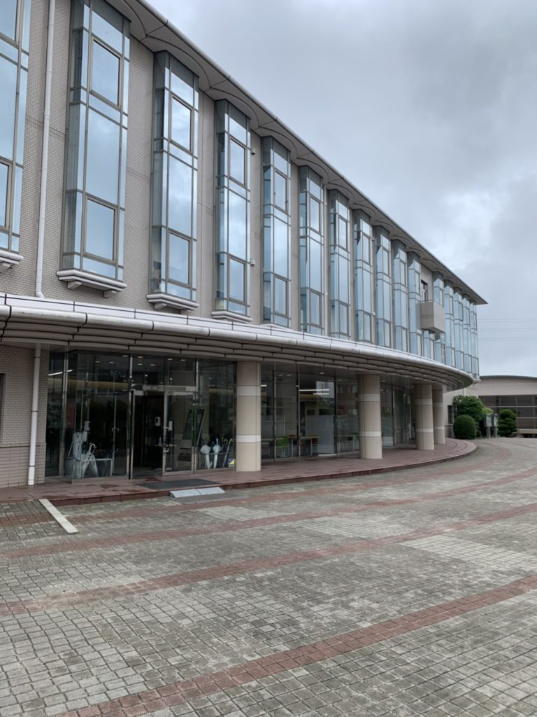 愛知県豊明市の学校にて、サッシメンテナンス工事のための現場調査を行いました。(日軽サッシ)【窓香房】
