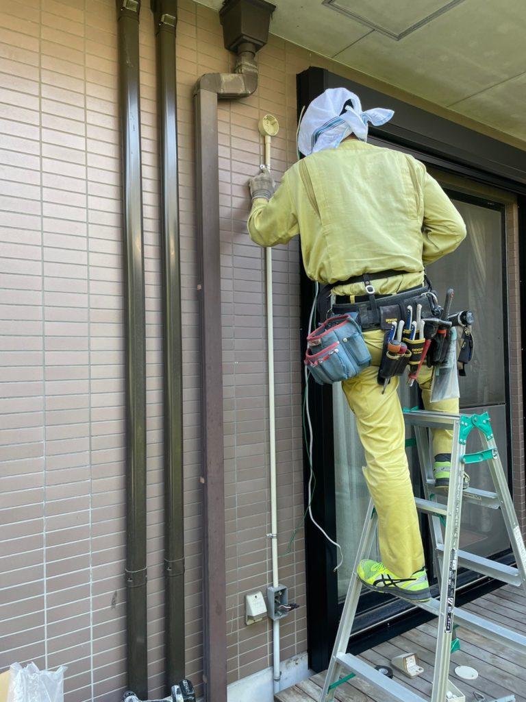 愛知県大府市の戸建住宅にて、電動シャッター取付工事を行いました。(LIXILリフォーム電動シャッター)【窓香房】