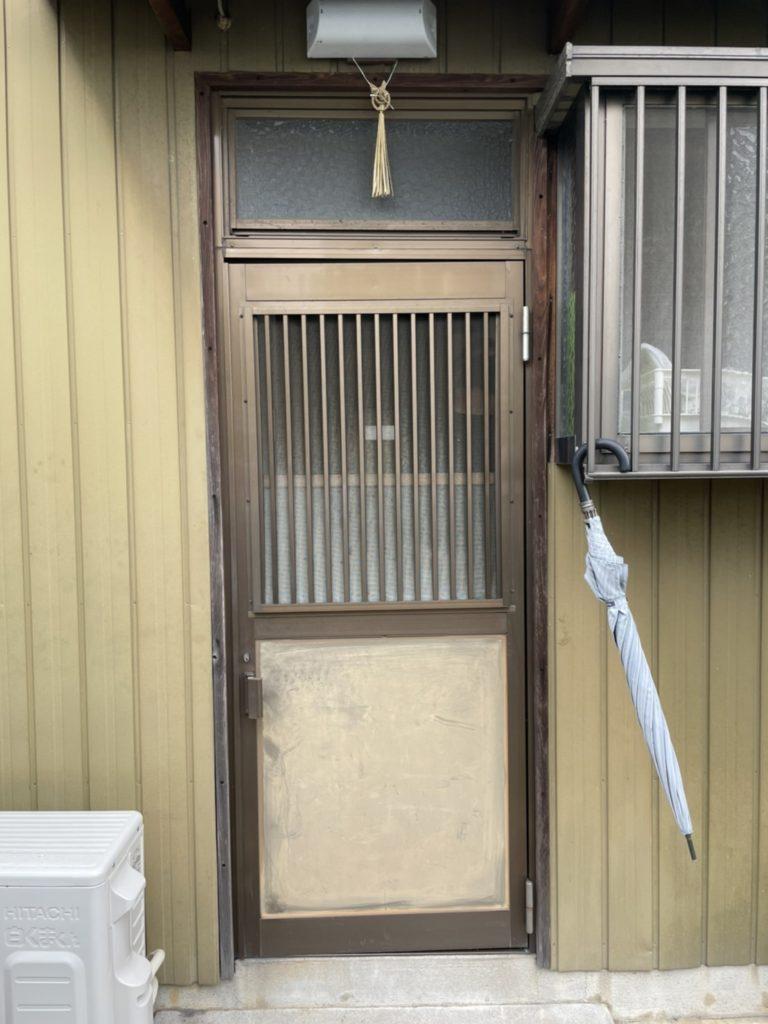 愛知県大府市にて、勝手口ドア取替工事を行いました。(リシェント勝手口ドア)【窓香房】