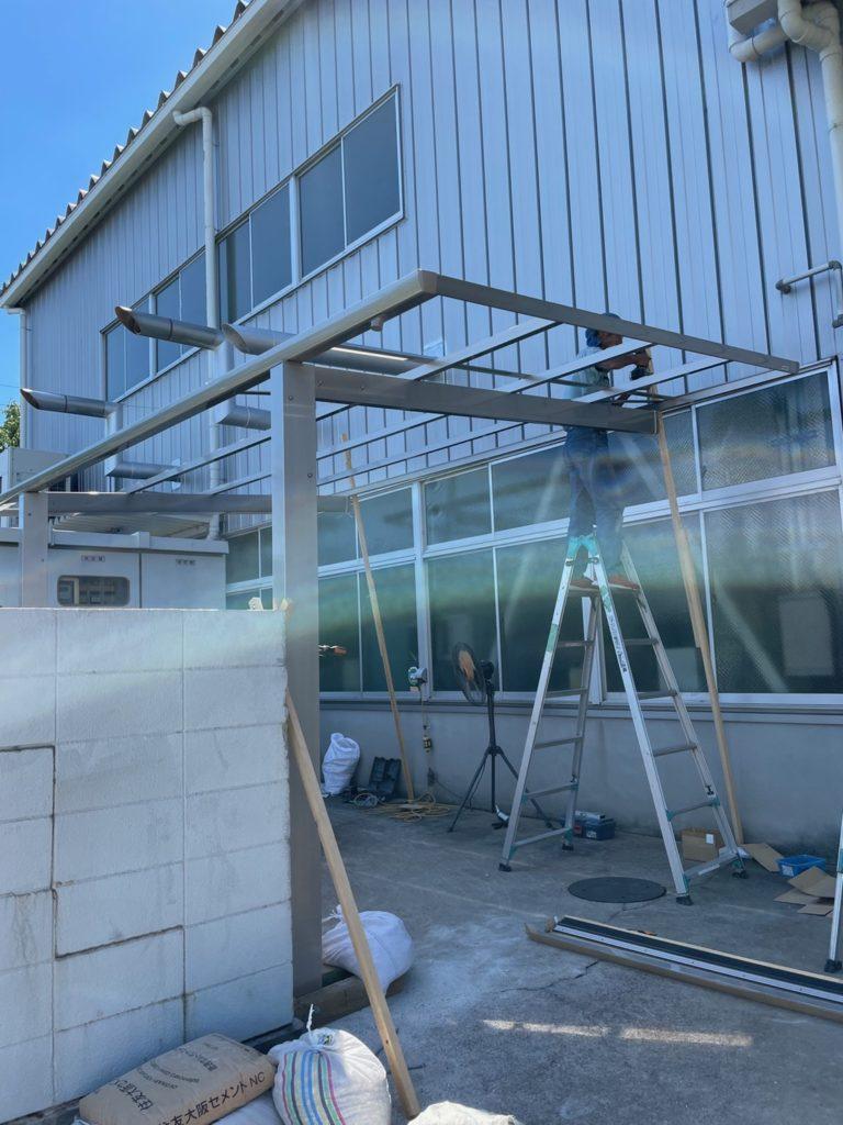 愛知県名古屋市緑区の工場にて、カーポート設置工事を行いました。(オリジナルカーポートSC)【窓香房】