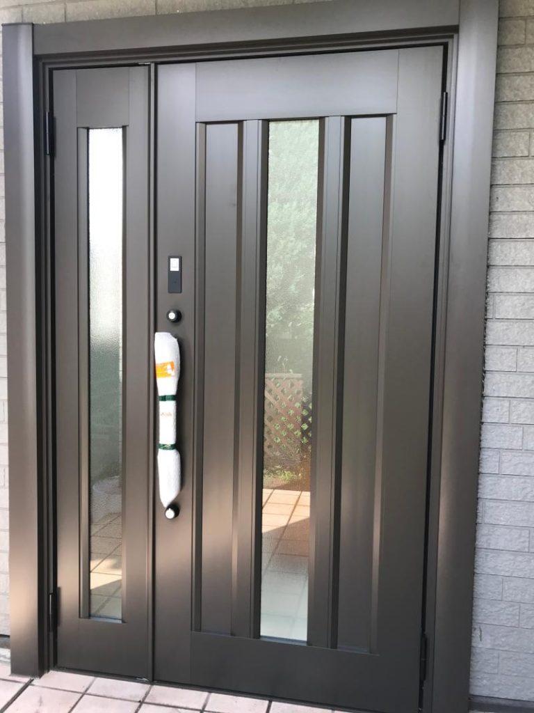 リフォーム工事に伴う戸建住宅の玄関ドアを行いました。(LIXILリシェント)【窓香房】