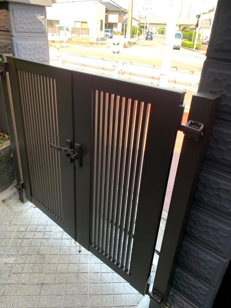 愛知県名古屋市西区の戸建住宅にて、門扉、エクステリア工事を行いました。(LIXIL門扉)【窓香房】