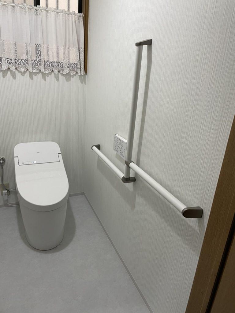 愛知県名古屋市緑区にて、トイレリフォーム工事を行いました。(TOTO,LIXIL)【窓香房】
