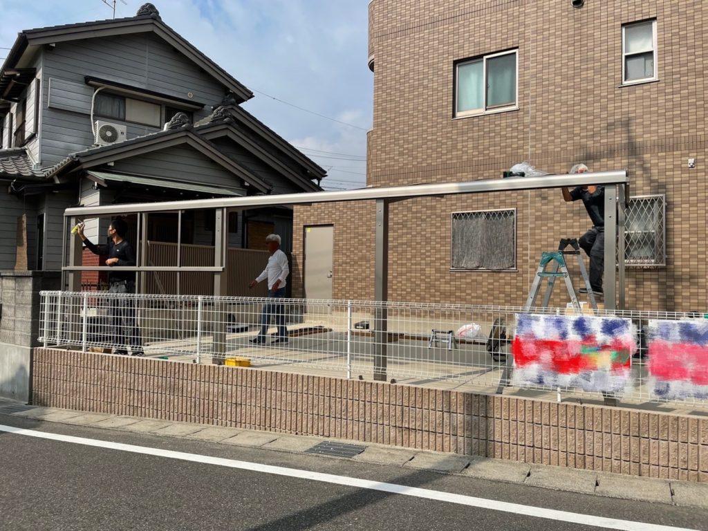 愛知県大府市のマンションにて、サイクルポート設置工事を行いました。(LIXILサイクルポート フーゴR)【窓香房】